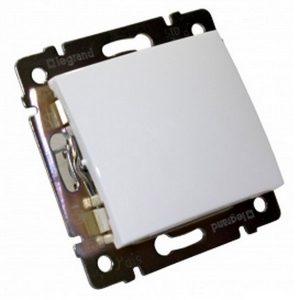 Механический одноклавишный выключатель, белый (Legrand Valena-250V-10A 774401)